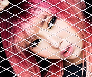 "2NE1's Minzy promotional picture for ""Crush"""
