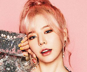 "Girls' Generation's [SNSD] Sunny promotional picture for ""Holiday Night"""