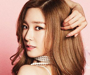 "Girls' Generation's [SNSD] Tiffany promotional picture for ""Holiday Night"""
