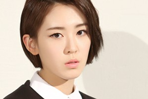 "The Seeya's Yeonkyung ""Tell Me"" promotional picture."