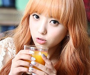 "Hello Venus' Yoonjo ""Would You Stay for Tea"" promotional picture."
