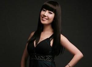 Jewelry's former member Eunmi.