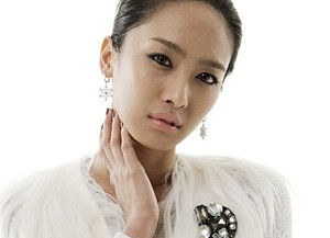 Jewelry's former member Jeong Ah.