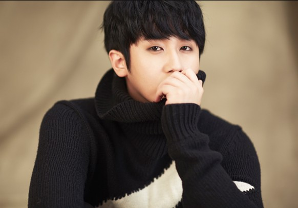 "Heo Young Saeng's ""SHe"" promotional picture."