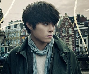 "Eddy Kim's ""2 Years Apart"" promotional picture."