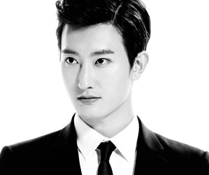 "Super Junior's Zhoumi ""Swings"" promotional picture."