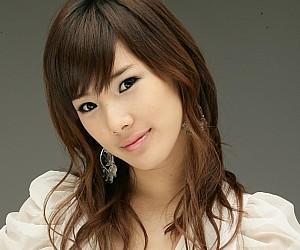 Kara's former member Sunghee.