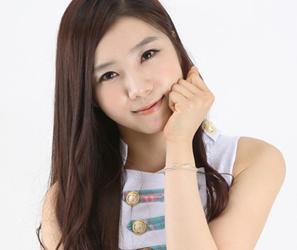 Flashe's former member ChoA.
