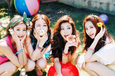 "Girl's Day ""Summertime Special"" promotional picture."