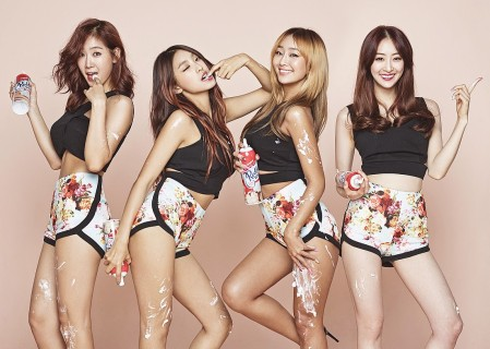 "Sistar's ""Touch My Body"" promotional picture."