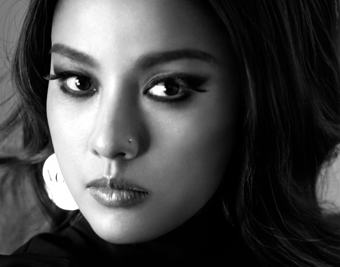 "Lee Hyori's ""Monochrome"" promotional picture."