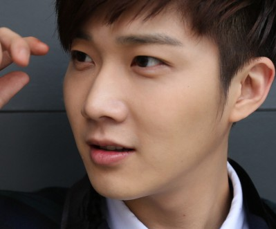 """SHU-I's Changhyun """"So In Luv"""" promotional picture."""