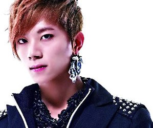 Touch's former member Younghoon.