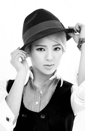 Hyoyeon (Girls' Generation)