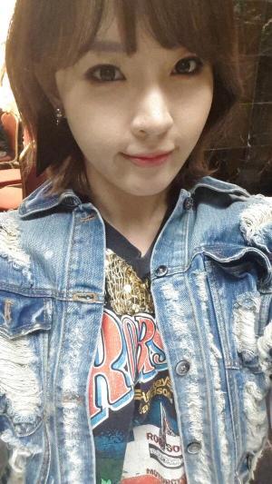 Jiyoon (4Minute)'s selca