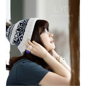 "Album art for LYn's album ""Winter Melody"""