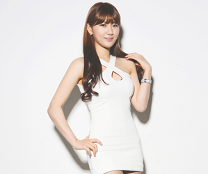 "Switch's Sujeong ""39 Degrees"" promotional picture."