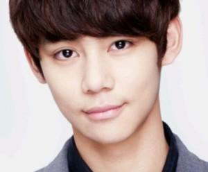 APeace's newest member Choi Si Hyuk.