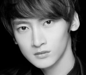 APeace's Onyx Unit's Jee Hyun Sung.