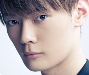 APeace's former member Kim Seung Hyung.