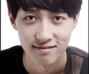 APeace's former member Lee Haneul.