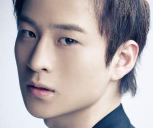 APeace's former member Lee Tae Woo.