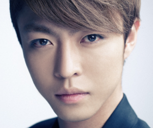 APeace's former member Yoo Dong Ho.