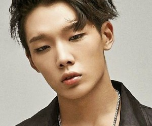 """iKON's Bobby """"Mix & Match"""" promotional picture."""