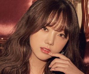 "Lovelyz's Kei promotional picture for ""Fall In Lovelyz"""