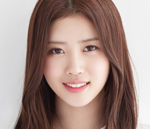 Lovelyz' Mijoo Repackage promotional picture.