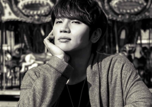 "K.Will's ""RE"" promotional picture."