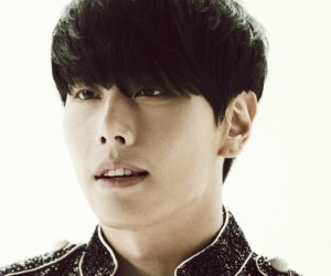 """Park Hyo Shin """"Shine Your Light"""" promotional picture."""