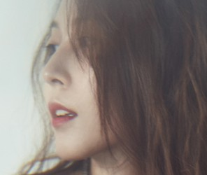 "BoA's ""Kiss My Lips"" promotional picture."