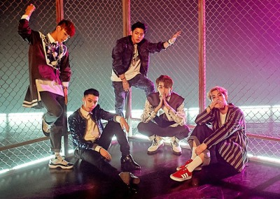 "MYNAME's ""Just Tell Me"" promotional picture."