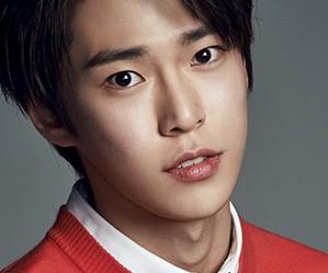 SM Rookies Doyoung.