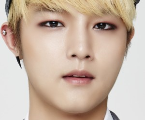 "Speed's Sungmin ""What U"" promotional picture."
