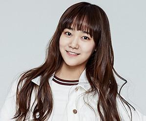 SM Rookies Hina.