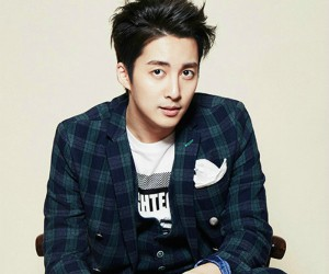 "Kim Hyung Jun ""Cross the Line"" promotional picture."