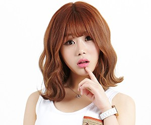 "10X10's JIyoon ""Amomia"" promotional picture."