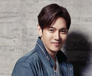 "Fly to the Sky's Hwanhee ""Love N Hate"" promotional picture."