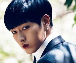 "NPI's Pyeongki ""Vampire"" promotional picture."