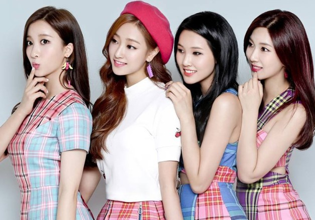 "Playback's ""I Wonder"" promotional picture."