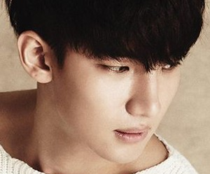 "Roh Ji Hoon's ""Sense"" promotional picture."