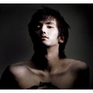 "Album art for Evan (Yoo Ho Seok)'s album ""Hard To Breath"""