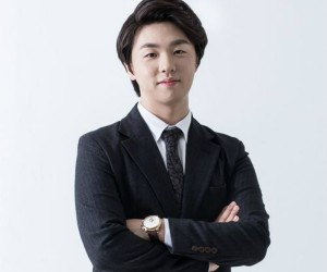 "Humble's Sunghwan ""Humble"" promotional picture."