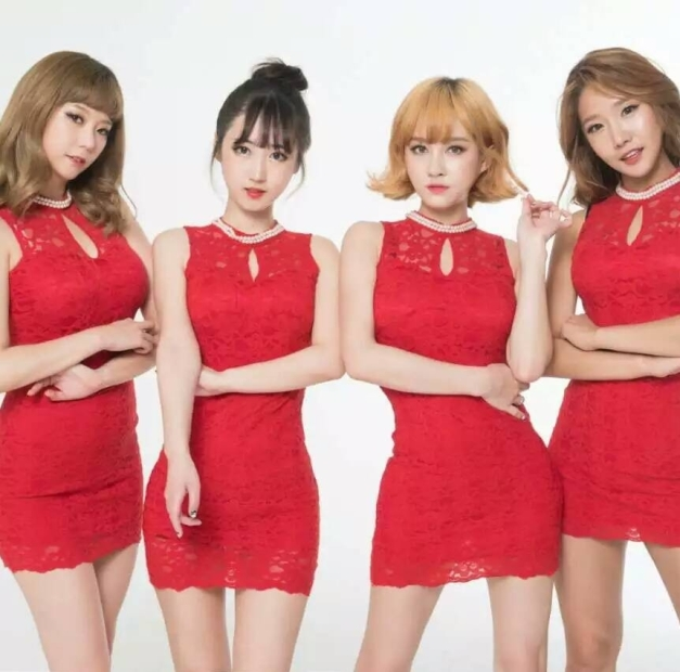 "Six Bomb's ""Becoming prettier than before"" promotional picture."