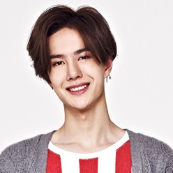 "UNIQ's Yibo ""Best Friend"" promotional picture."