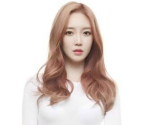 "Diagirl's Sooah ""Gently"" promotional picture."
