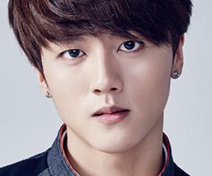 NEO School's FNC's trainee Youngbin.