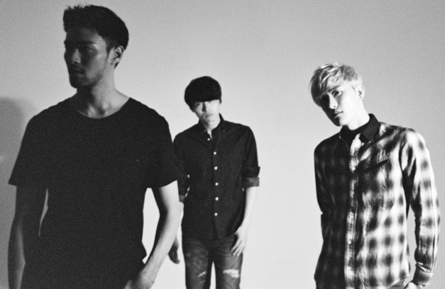 "Royal Pirates' ""3.3"" promotional picture."
